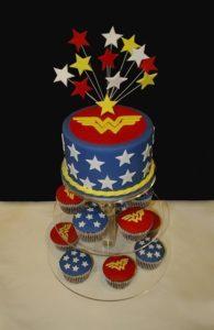 bolo festa mulher maravilha