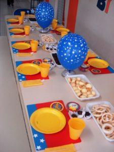 mesa dos convidados festa mulher maravilha